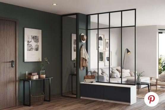 Verrière loft de style new yorkais pour séparer l'entrée du séjour.